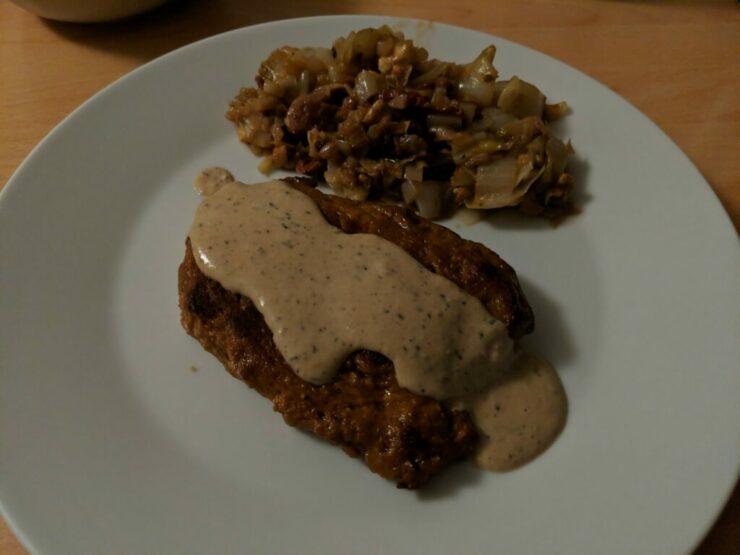 Steak de seitan sauce au poivre et poêlée d'endives